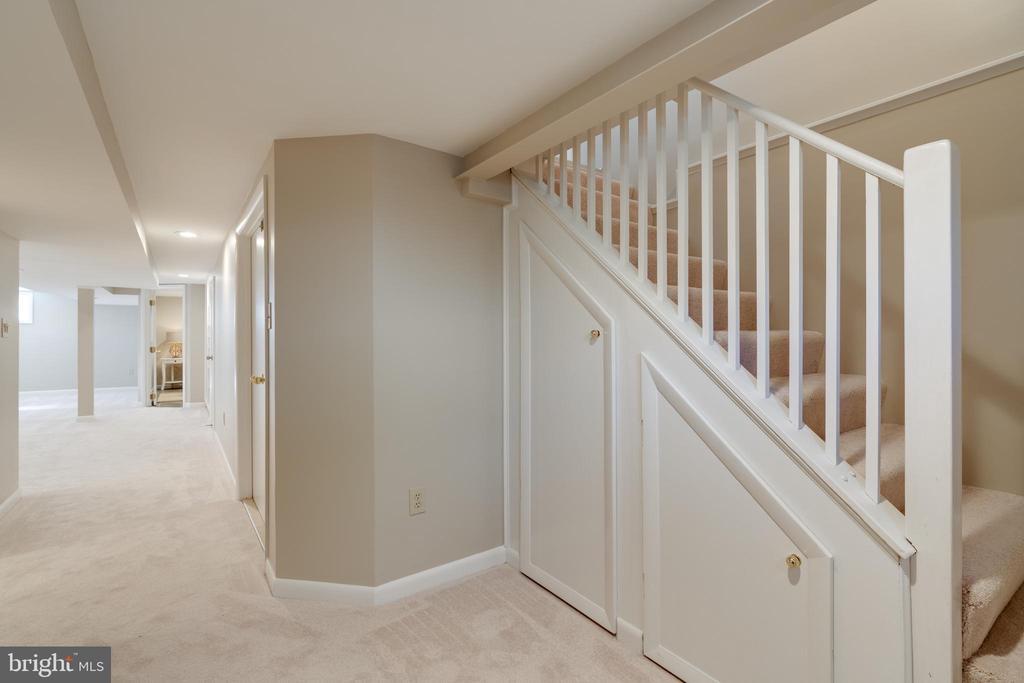 Fully finished basement - 604 N LATHAM ST, ALEXANDRIA