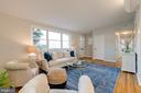 Large open living space - 604 N LATHAM ST, ALEXANDRIA