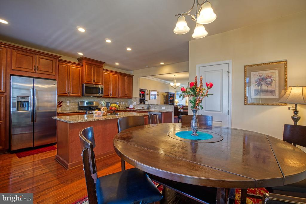 Breakfast Room for Casual Dining - 23399 CARTERS MEADOW TER, ASHBURN