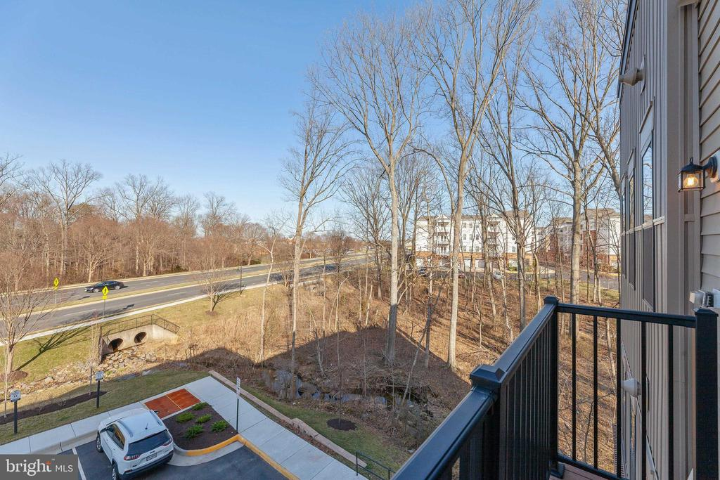 Unwind on the private balcony - 43091 WYNRIDGE DR #307, BROADLANDS