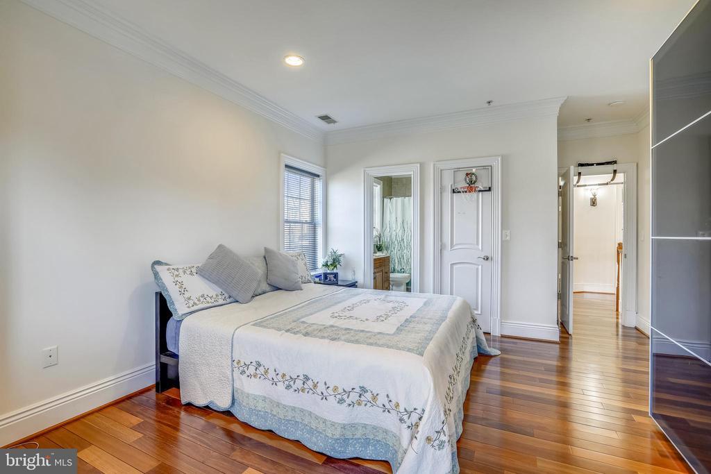 Upper Bedroom - 10201 WOODMOOR CIR, SILVER SPRING