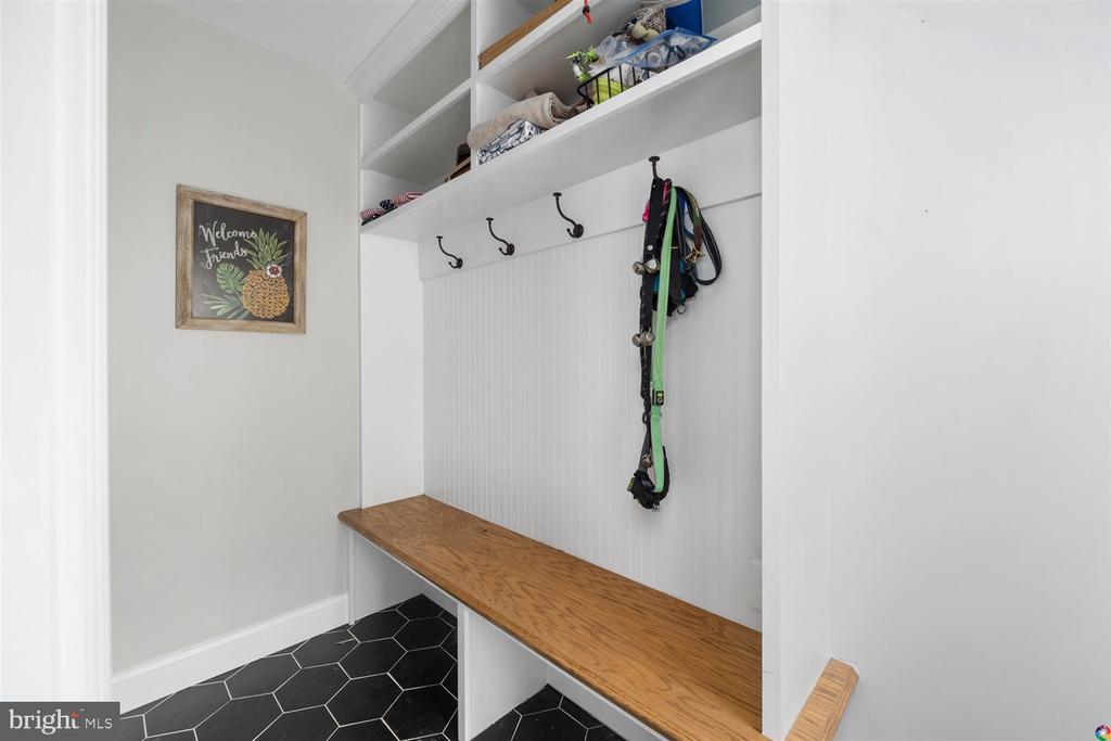 Mud room - 3008 RUSSELL RD, ALEXANDRIA