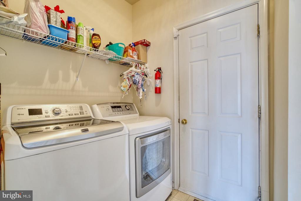 Main Level Laundry - 10855 HUNTER GATE WAY, RESTON