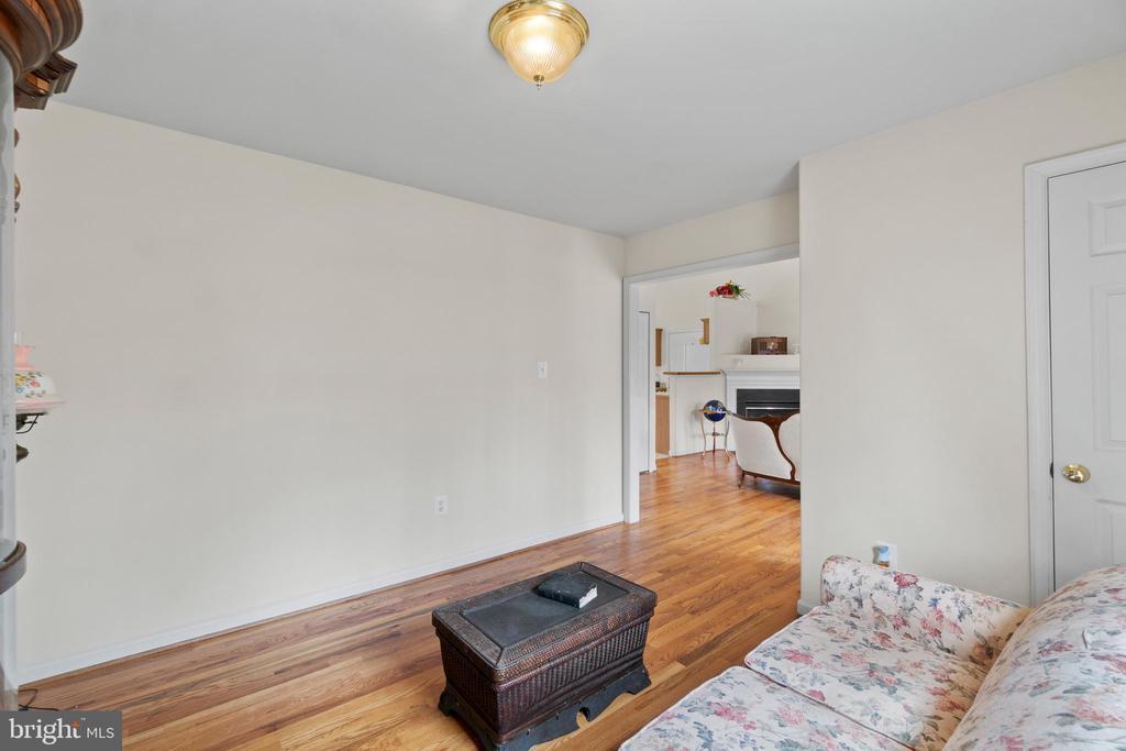 Beautiful hardwoods in bedroom 2 - 39 BETHANY WAY, FREDERICKSBURG