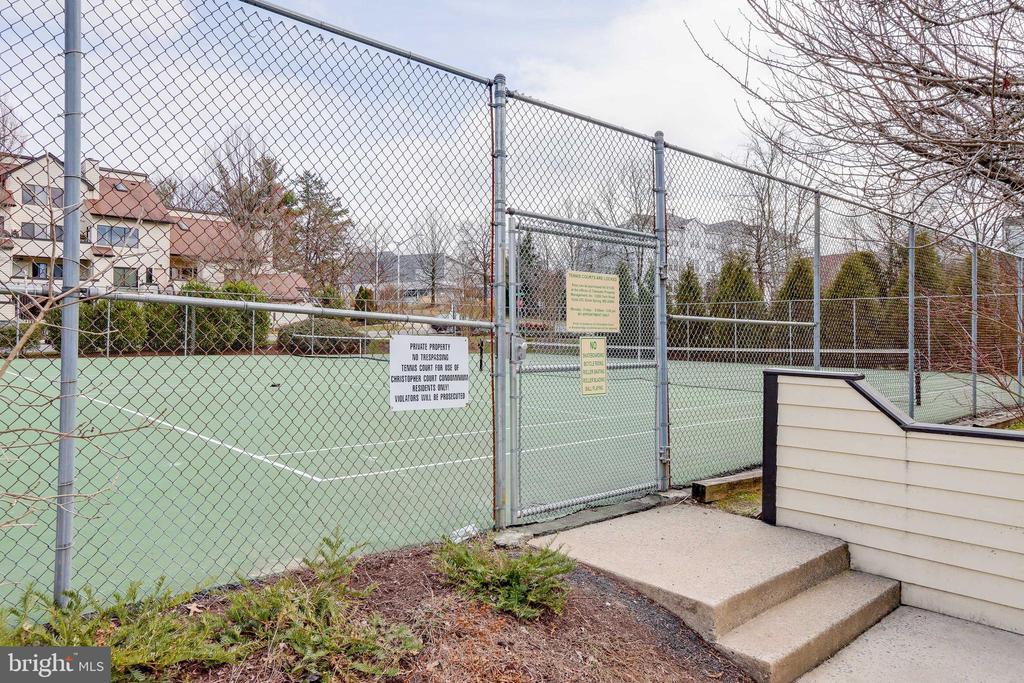 Community Tennis - 9737 HELLINGLY PL #30, GAITHERSBURG
