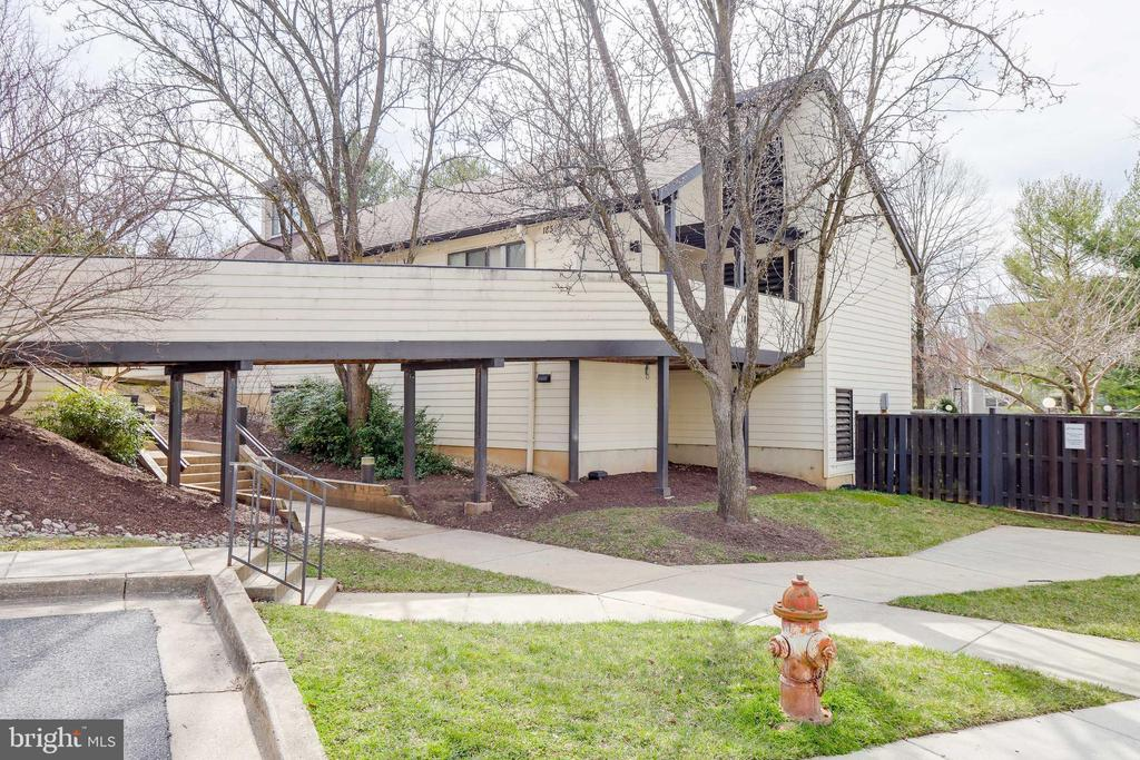 Community Clubhouse - 9737 HELLINGLY PL #30, GAITHERSBURG