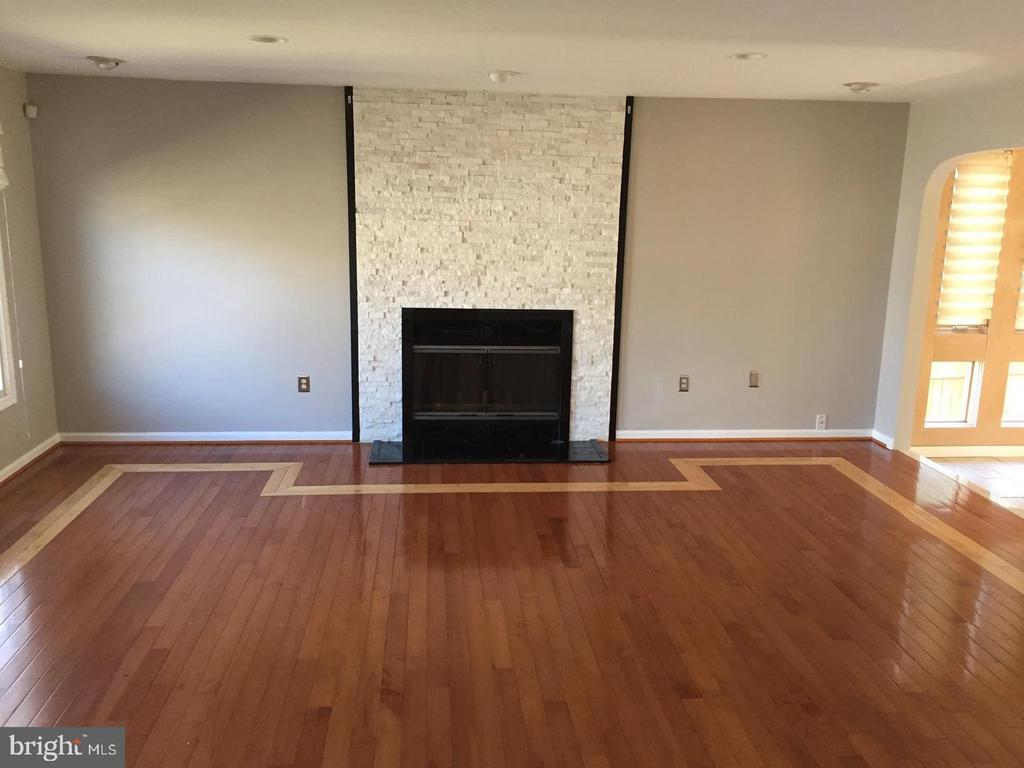 Fireplace in Family Room - 37 SETTLERS WAY, STAFFORD
