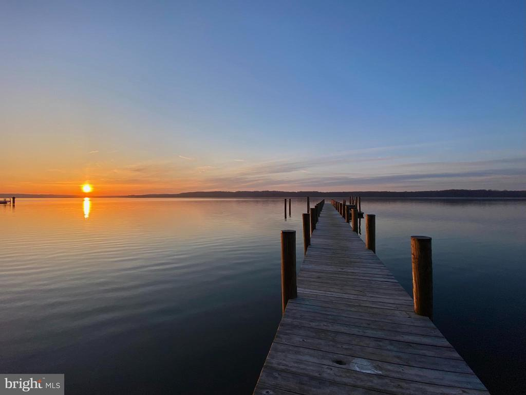 Enjoy amazing sunrises from your patio or dock - 3903 BELLE RIVE TER, ALEXANDRIA