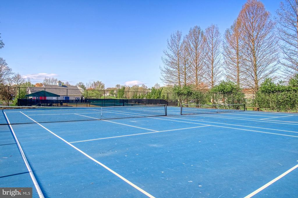 Community Tennis Court - 10855 HUNTER GATE WAY, RESTON