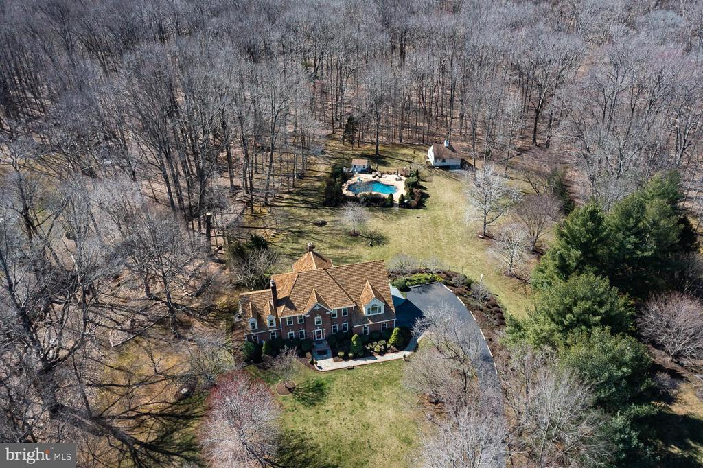 7 Acres of picturesque land - 5722 WINDSOR GATE LN, FAIRFAX