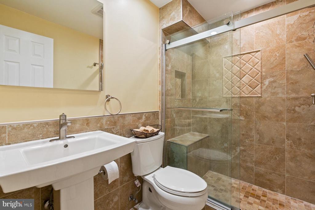 Full Bath in the Basement - 5722 WINDSOR GATE LN, FAIRFAX