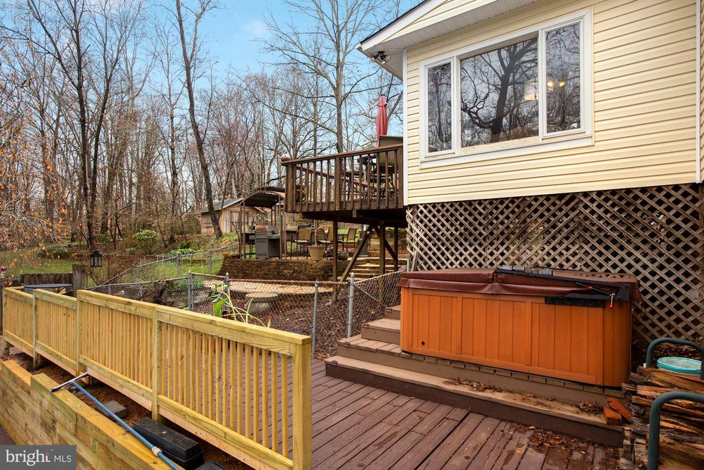 walkway to the pool - 10613 PINEVIEW RD, MANASSAS