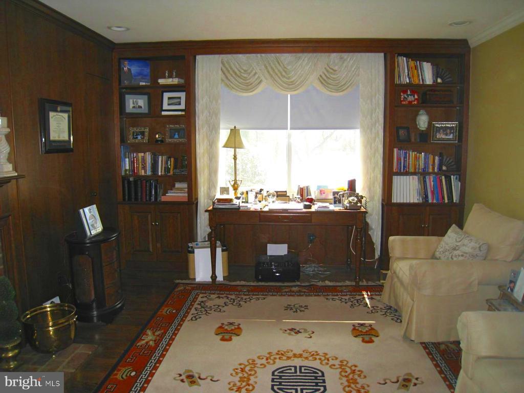 Living Room - 121 RIVER FOREST LN, FORT WASHINGTON
