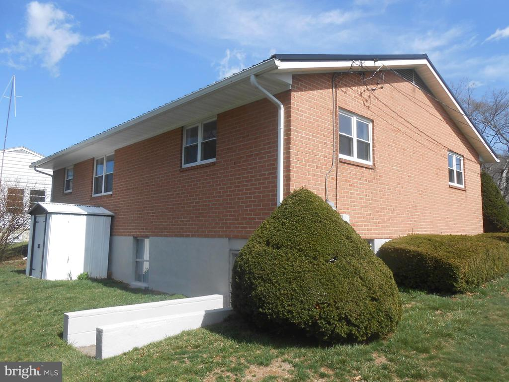 rear view of house - 26 MAPLE AVE, SMITHSBURG