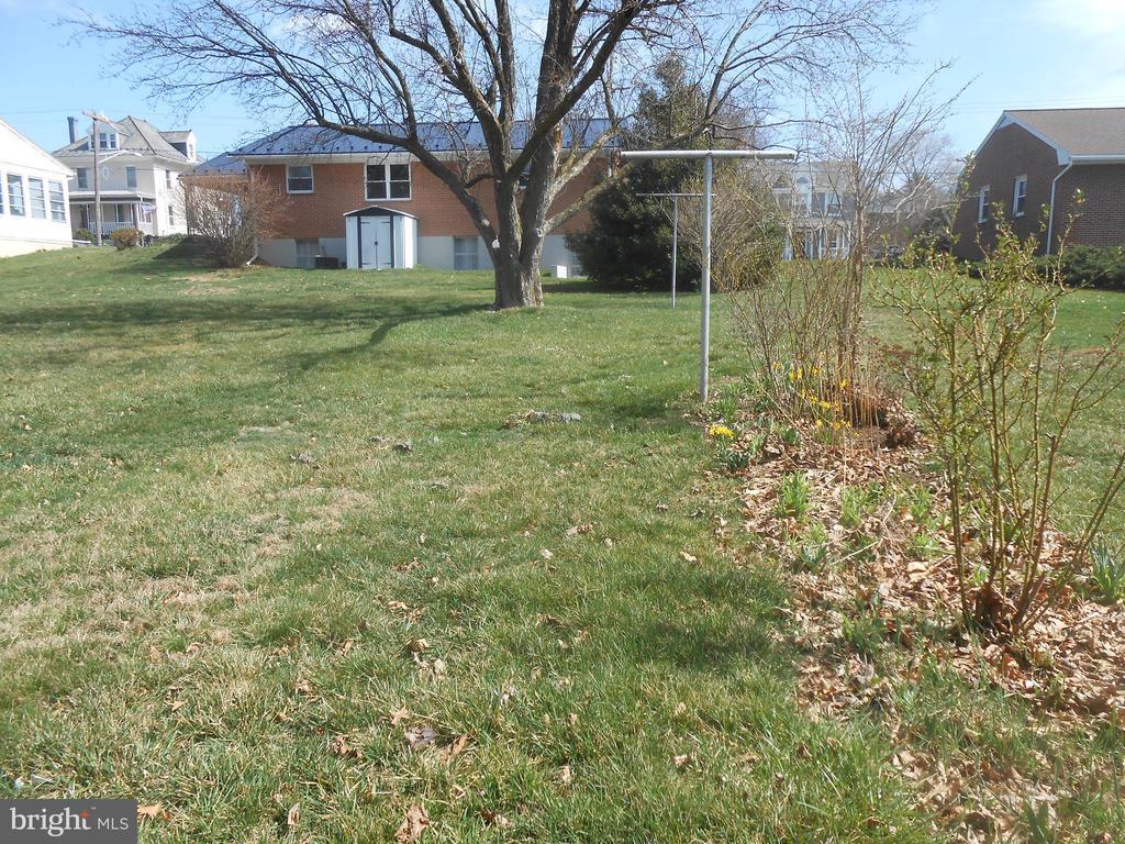 Backyard - 26 MAPLE AVE, SMITHSBURG