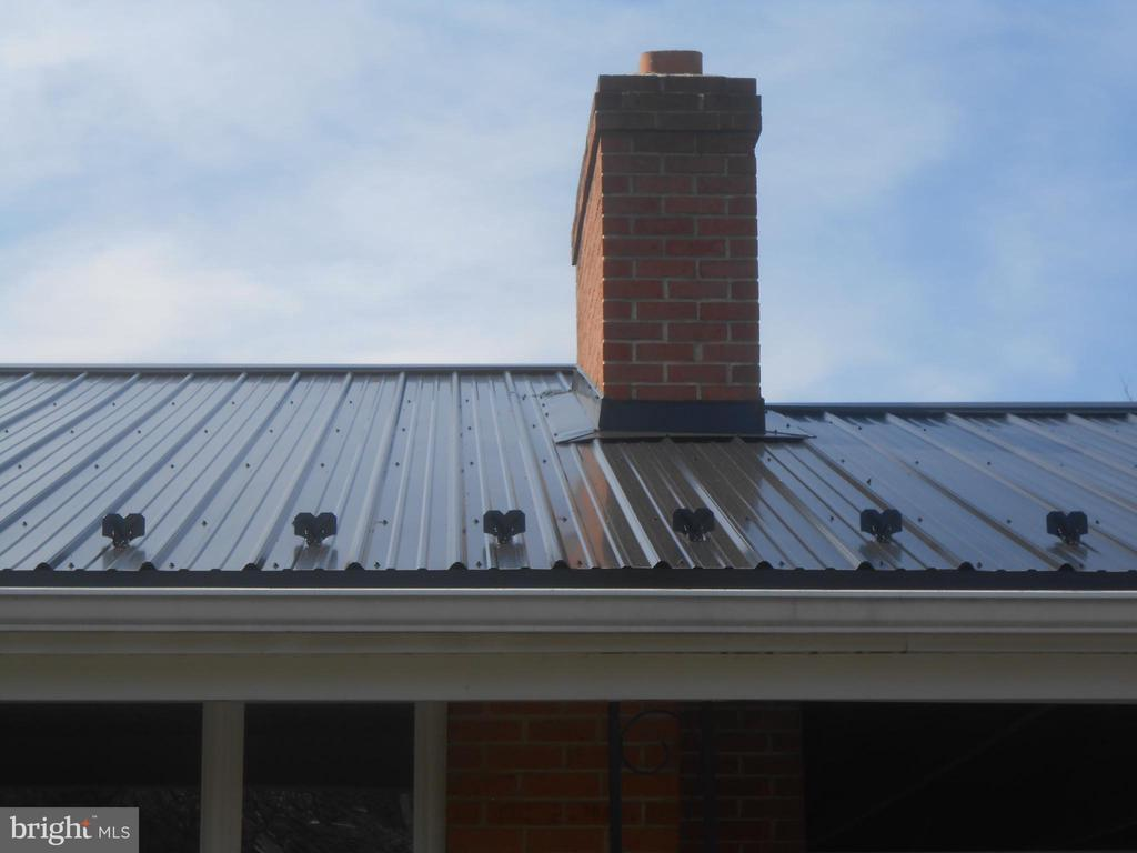 NEW tin roof adds style- 50+ yr life span - 26 MAPLE AVE, SMITHSBURG