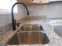 granite counters & stone backsplash - 26 MAPLE AVE, SMITHSBURG