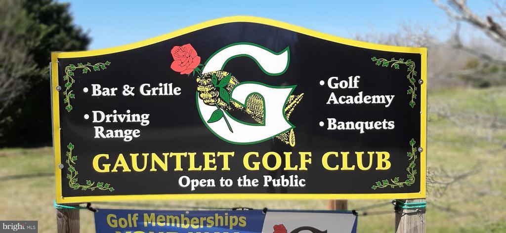 Curtis Park and Gauntlet Golf course across street - 463 HARTWOOD RD, FREDERICKSBURG
