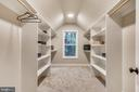 Secondary upper suite walk-in closet - 9524 LEEMAY ST, VIENNA