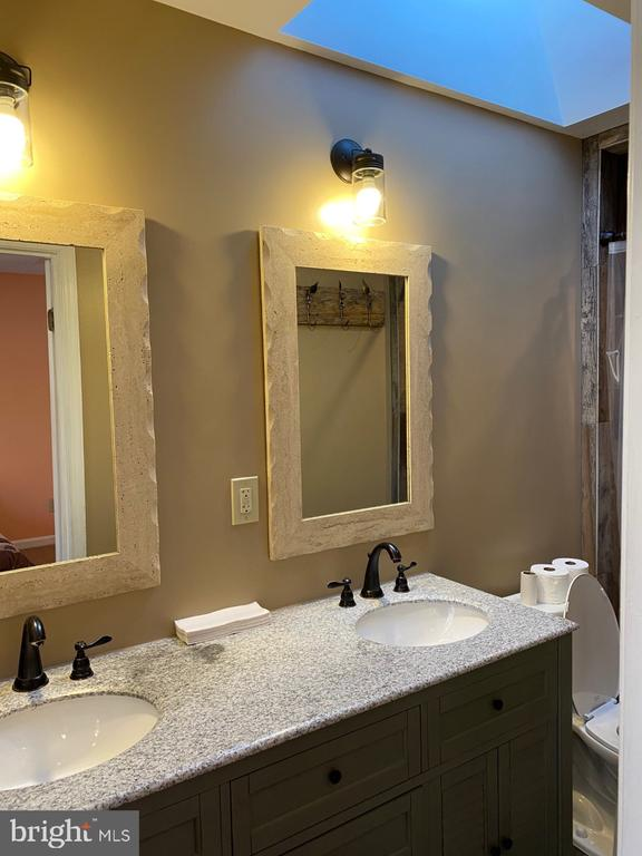 Main Bedroom - Bath - With Skylight - 2024 SCHOONER DR, STAFFORD