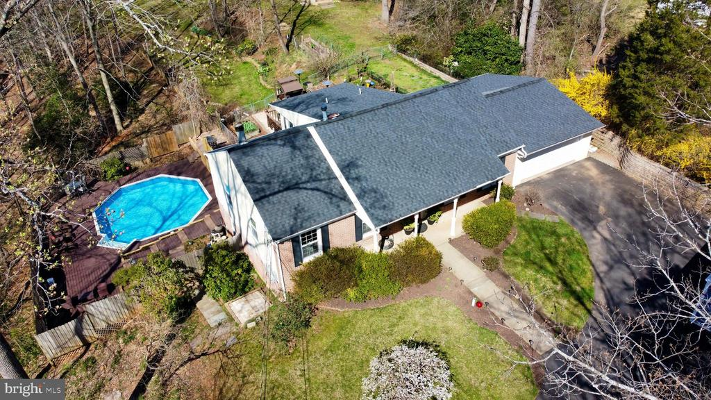 Private retreat - 10613 PINEVIEW RD, MANASSAS