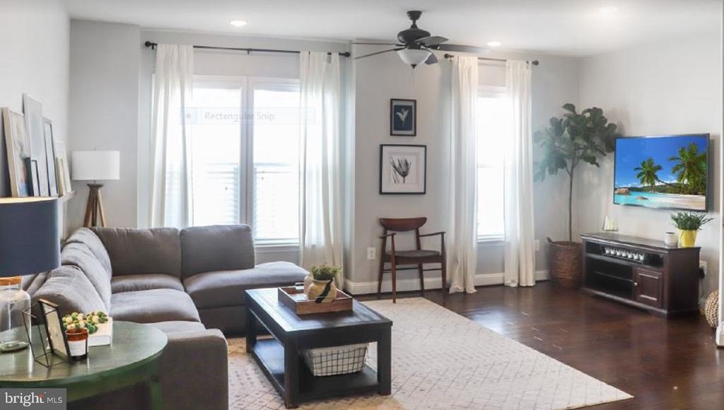 Living area - 17353 REDSHANK RD, DUMFRIES
