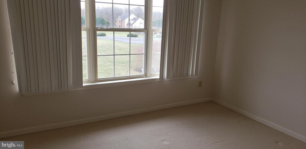 Living Room - 55 FOX LN, WHITE POST