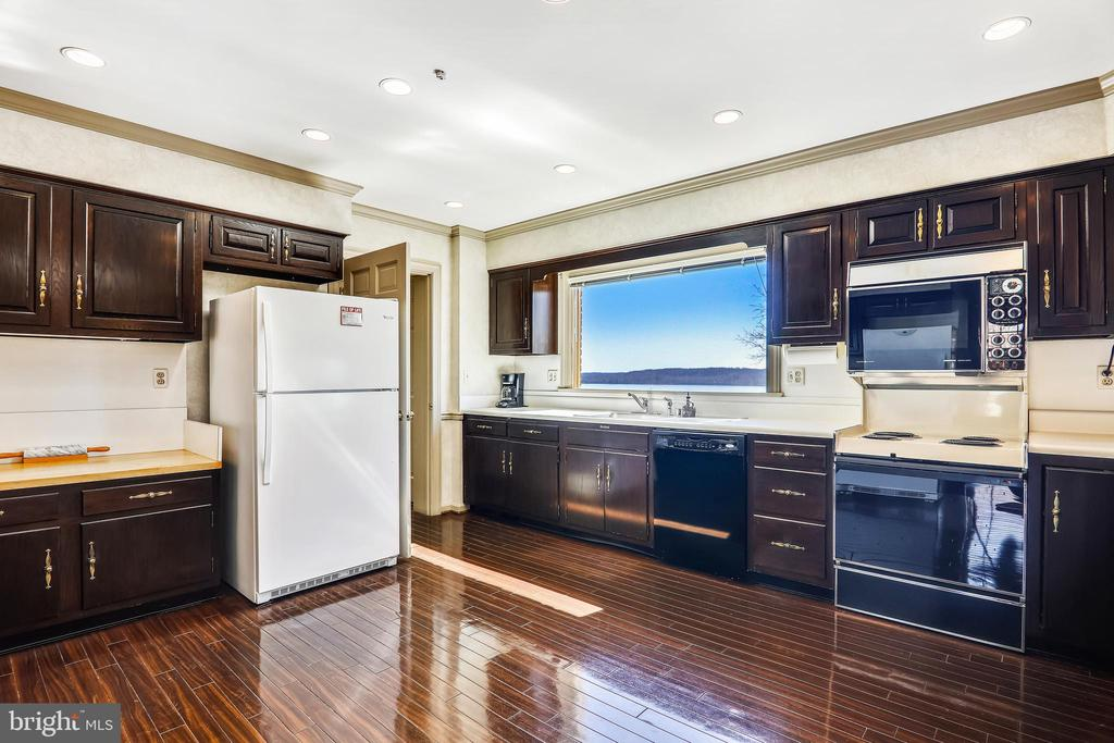 Picture perfect Potomac views of the Potomac River - 3903 BELLE RIVE TER, ALEXANDRIA