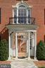 Gorgeous entrance with a leaded glass fan light - 711 PRINCE ST, ALEXANDRIA