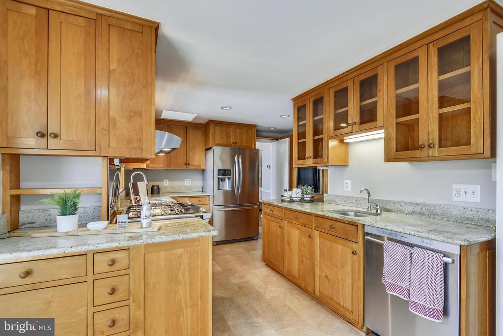 Kitchen - 4206 MOUNT VERNON MEMORIAL HIGHWAY, ALEXANDRIA