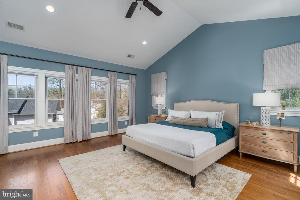 Primary Bedroom with Hardwood Floors - 3179 17TH ST N, ARLINGTON