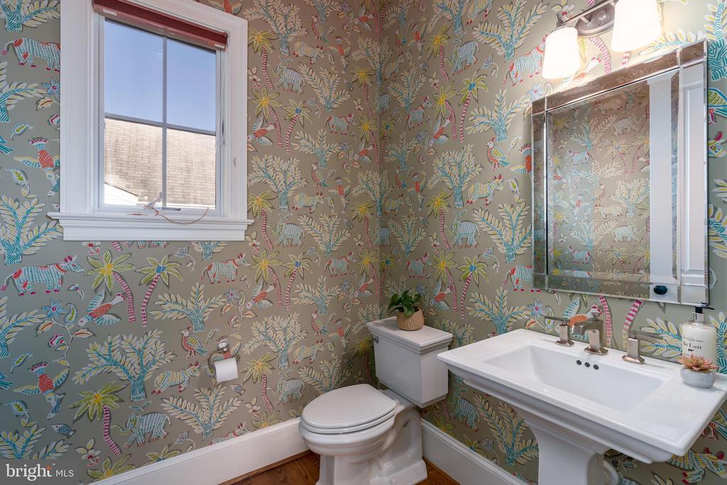 Half-Bath on Main Level - 3179 17TH ST N, ARLINGTON