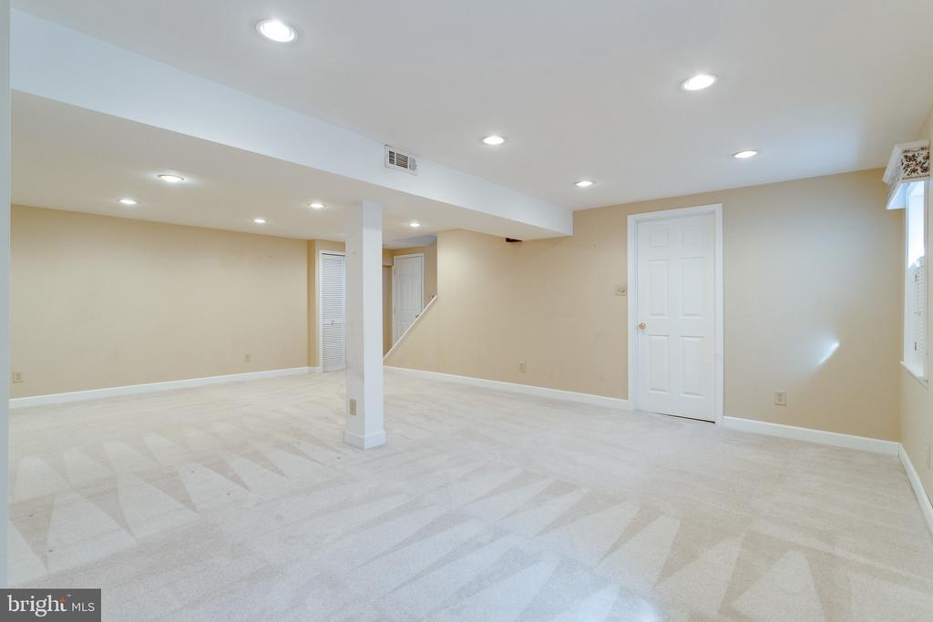 Large Rec Room w/Space for Media Area & Game Room - 9107 ROOKINGS CT, SPRINGFIELD