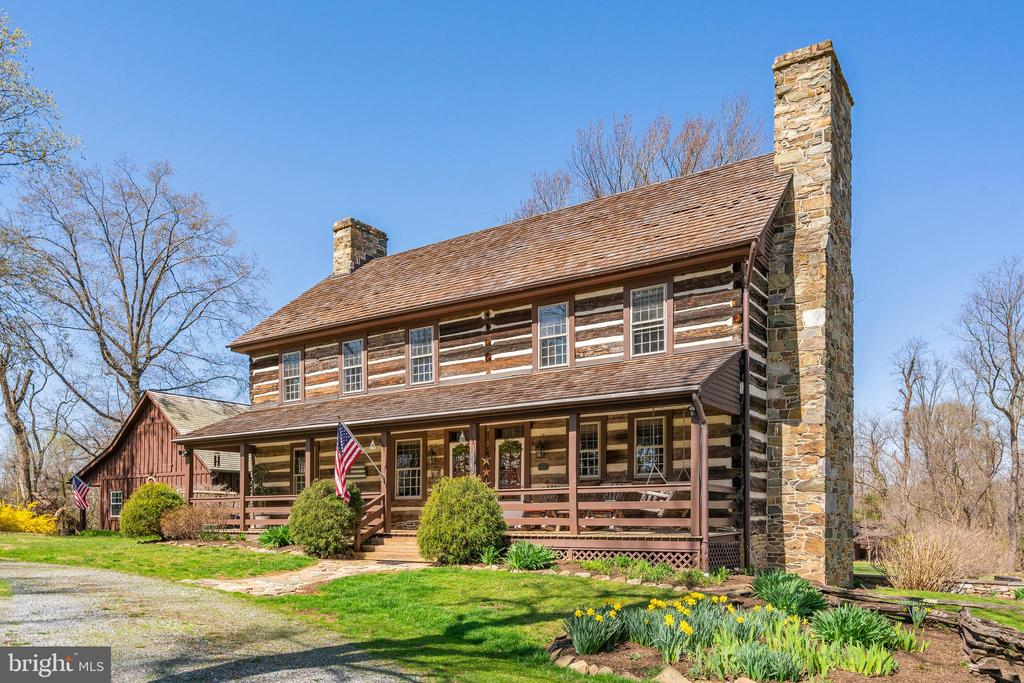 Front view - 37670 CHAPPELLE HILL RD, PURCELLVILLE