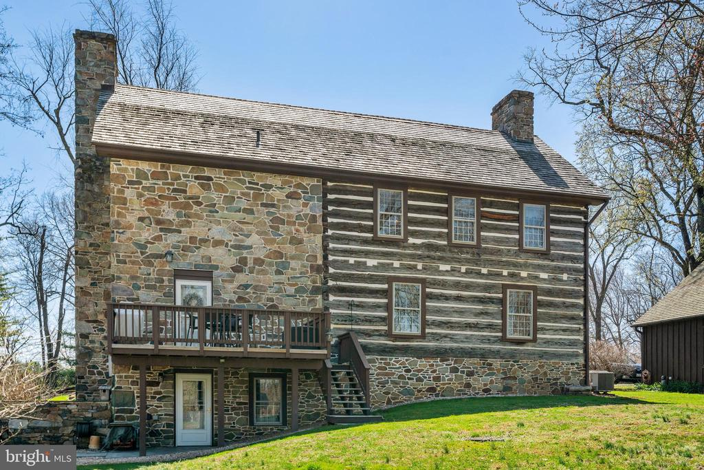 Rear view of house - 37670 CHAPPELLE HILL RD, PURCELLVILLE