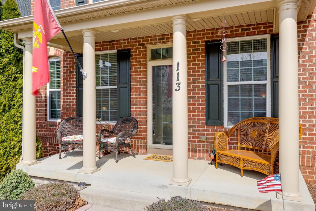 Enjoy relaxing on your front porch. - 113 MAROON CT, FREDERICK