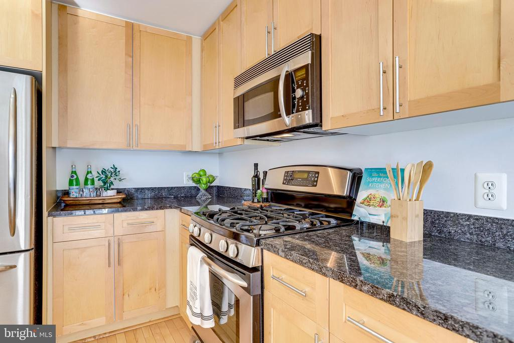 Gas Cooking Included in Condo Fee - 820 N POLLARD ST #208, ARLINGTON