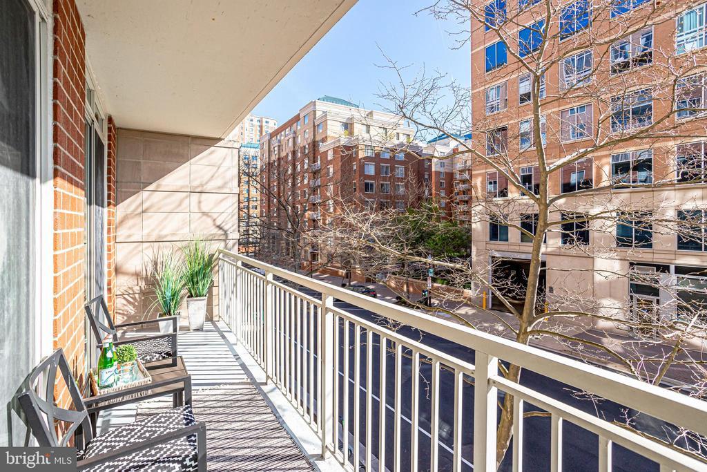 Large Balcony Overlooking Trees and Pollard Street - 820 N POLLARD ST #208, ARLINGTON