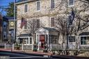 The Red Fox Inn located in the center of town - 21943 ST LOUIS RD, MIDDLEBURG