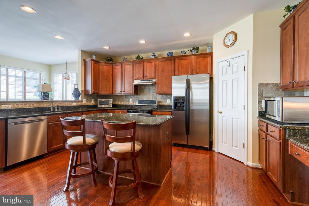 Stainless steel appliances - 33 BISMARK DR, STAFFORD