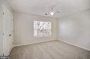 Middle bedroom located next to hall bath - 1306 MONROE ST, HERNDON