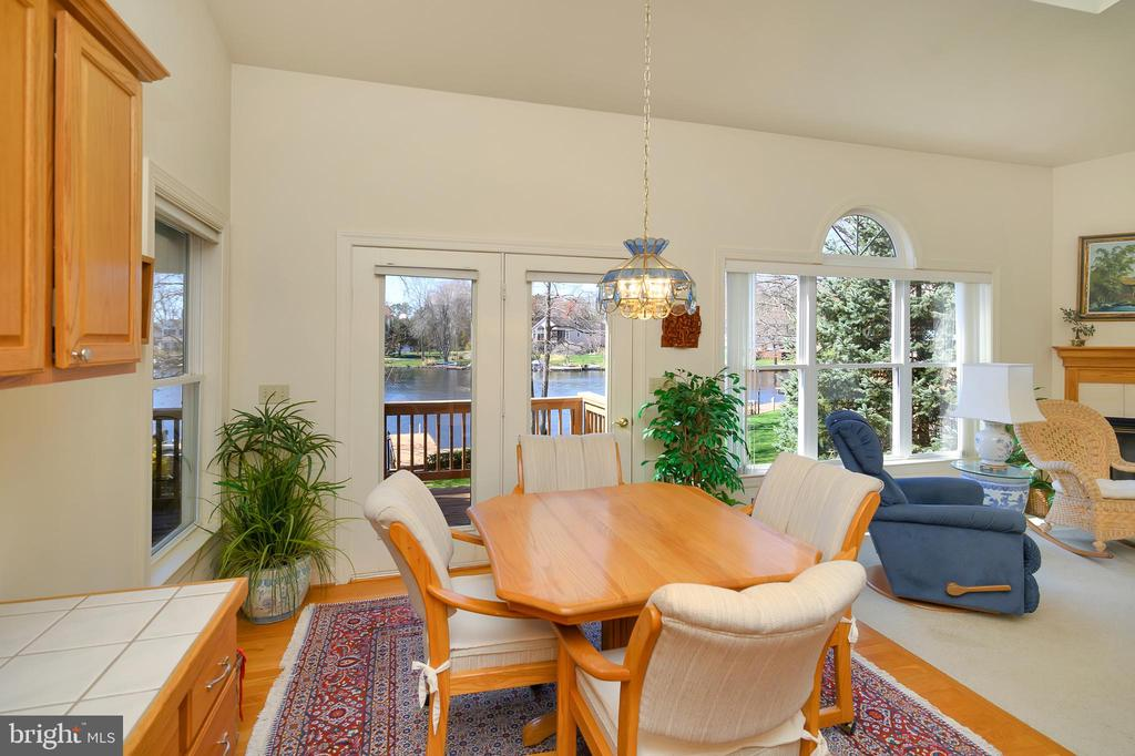 Kitchen at-in area with amazing water views - 112 WOODLAWN TRL, LOCUST GROVE