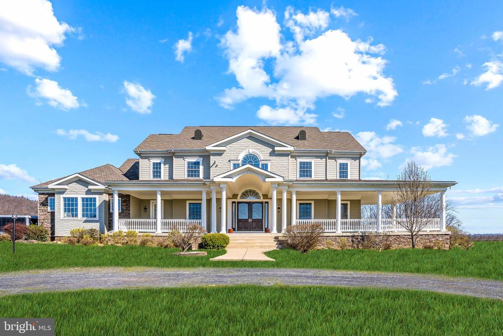 Beautiful Craftsman Style Estate - 11170 GEORGES MILL RD, LOVETTSVILLE
