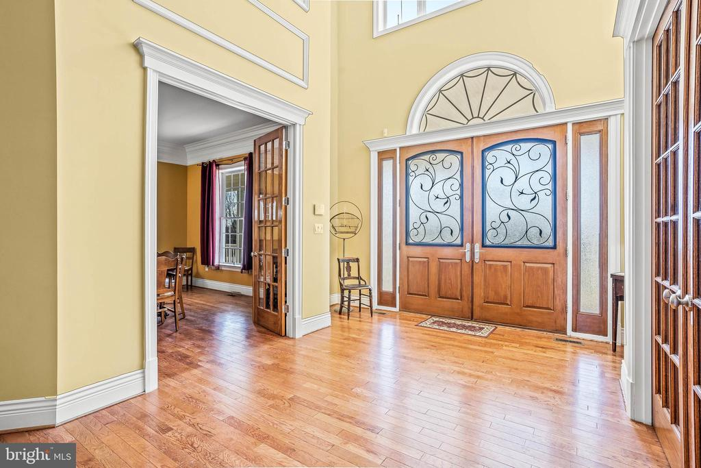Amazing Natural Light Throughout The Home - 11170 GEORGES MILL RD, LOVETTSVILLE