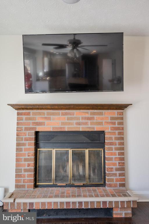 FAMILY ROOM FIREPLACE - 12649 TERRYMILL DR, HERNDON