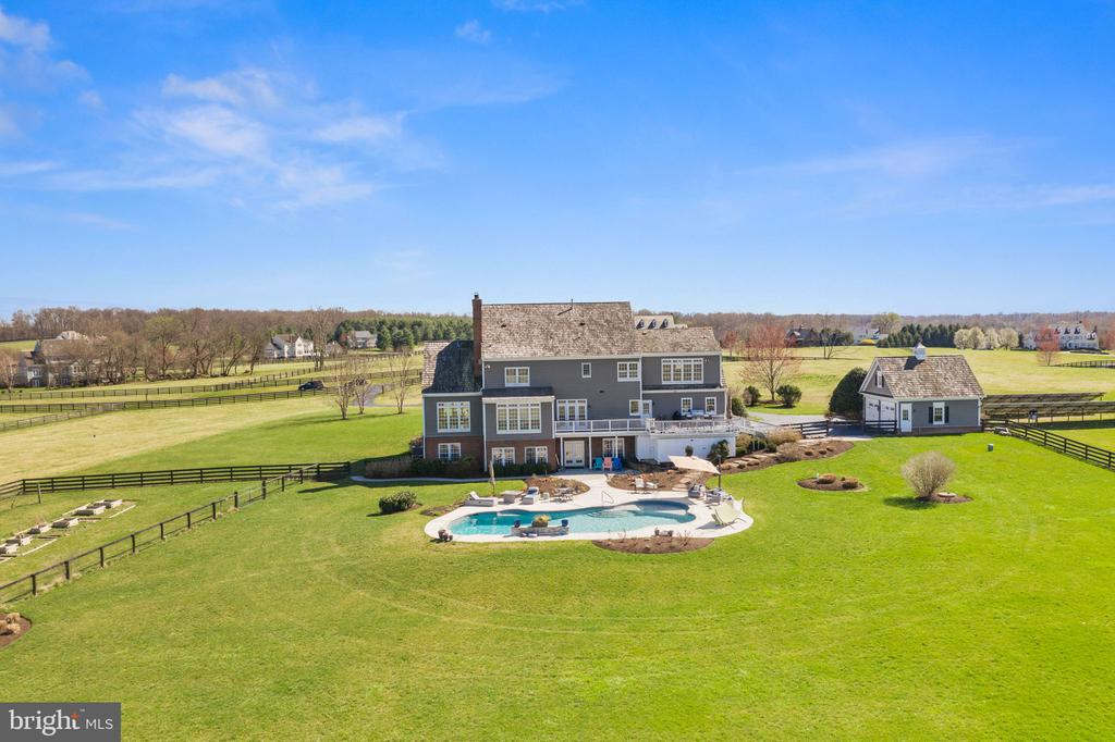 - 37294 HUNT VALLEY LN, PURCELLVILLE