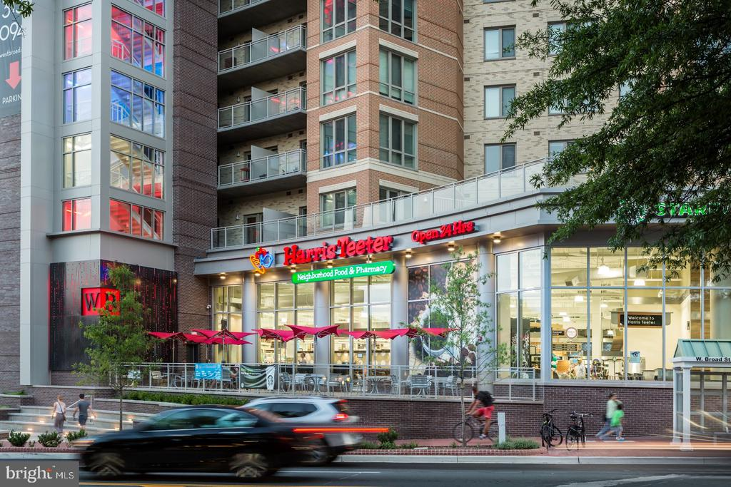 Nearby! Grocery Shopping - 1201 SEATON LN, FALLS CHURCH
