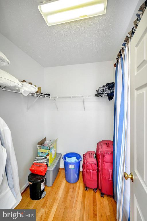 Walk in closet - 33 CARLSBAD DR, STAFFORD