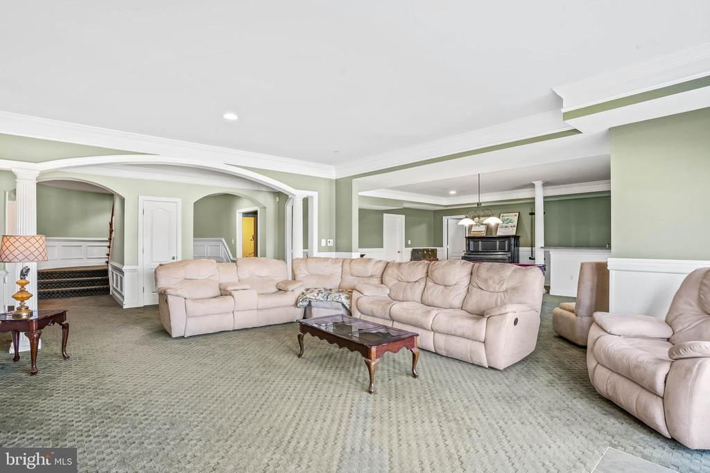 Walkout Level Basement to the Patio and Pool - 11170 GEORGES MILL RD, LOVETTSVILLE