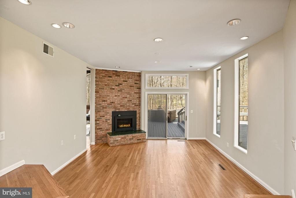 Family Room with Gas Fireplace - 11510 SUBURBAN PL, FAIRFAX STATION